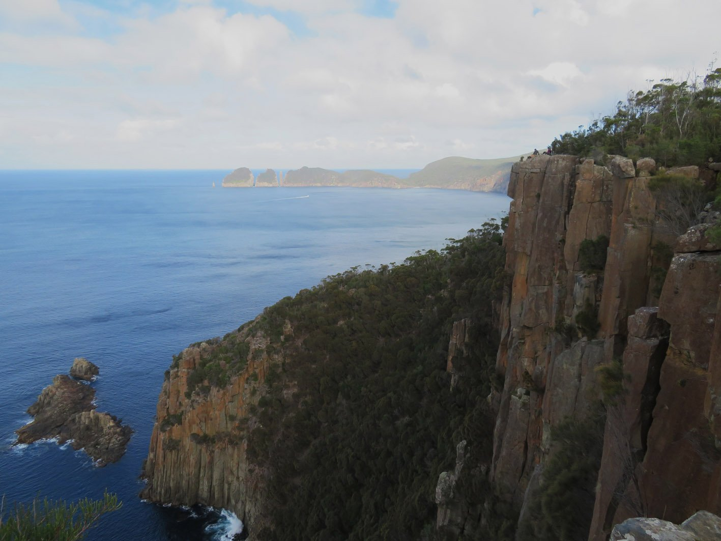 Day 2: Waterfall Bay to Fortescue Bay