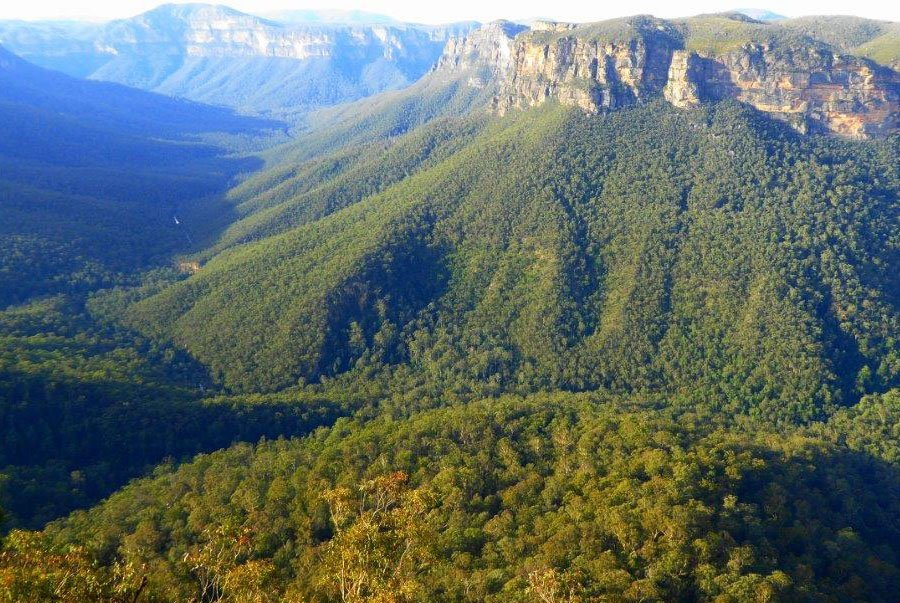 See spectacular Blue Mountains scenery away from the tourists traps