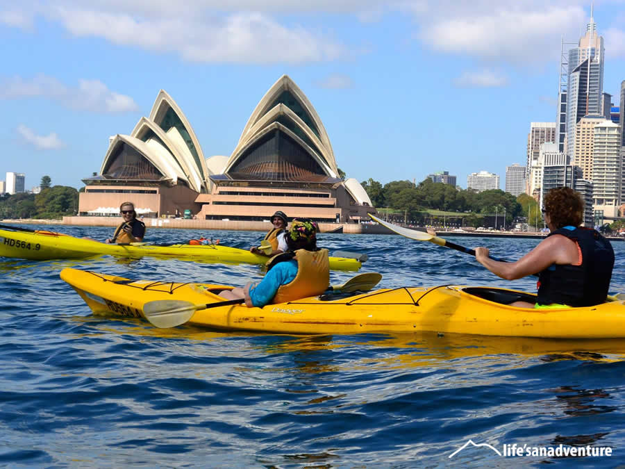 Kayak past the Sydney Opera House