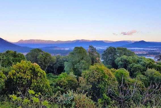 Scenic-Rim-walk-Queensland
