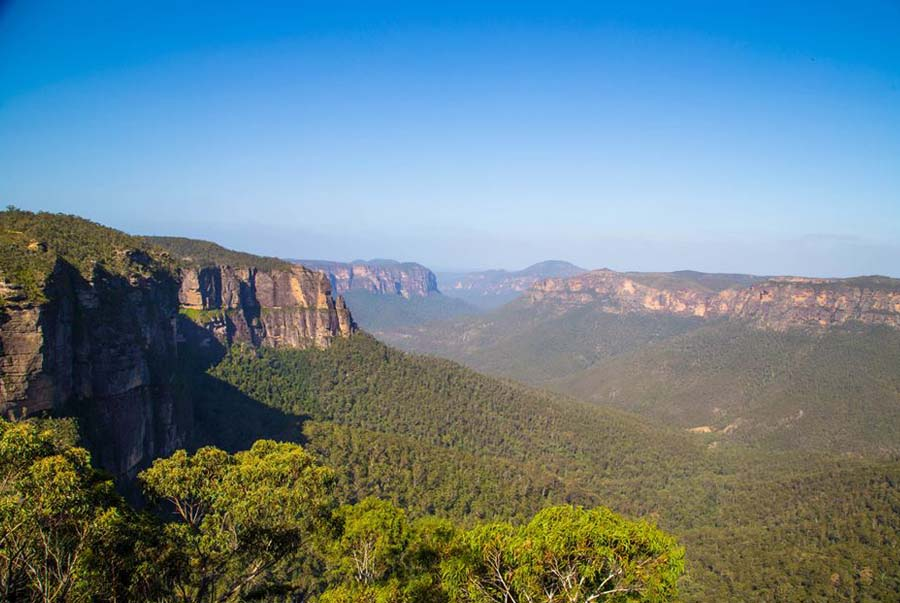 The Great Blue Mountains Traverse Walk