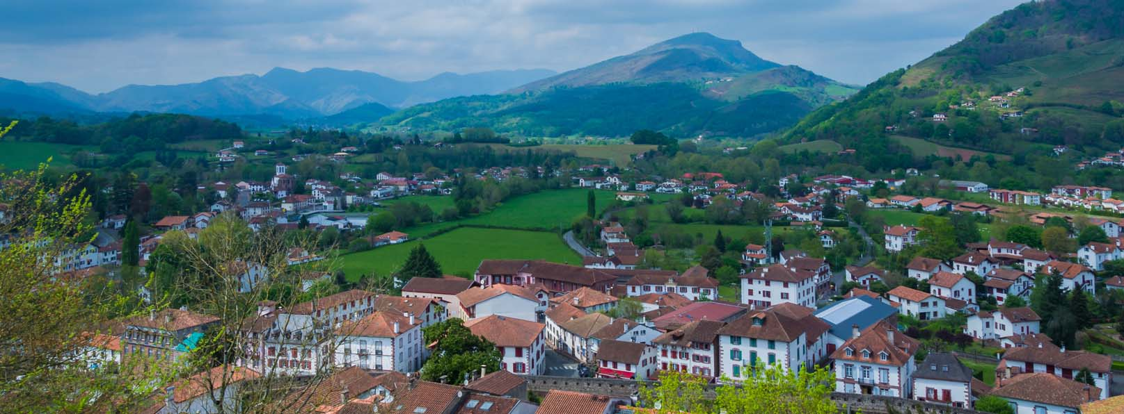 11 Day Highlights of the Camino de Santiago walk from France to Spain